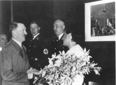 фото ольга чехова и гитлер