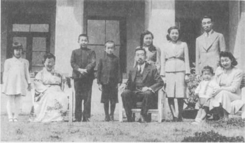 Совращение мамой сына япония фото 113-214