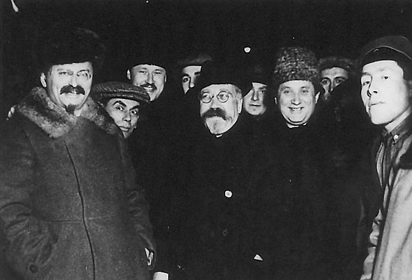 Фо�оал�бом Лев Т�о�кий Оппози�ионе� 19231929