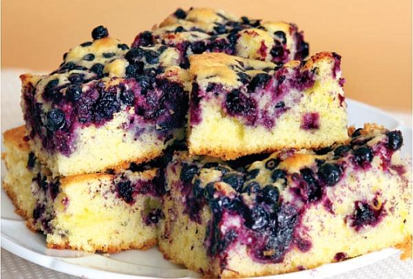 Бисквитный кекс с черникой рецепт с фото