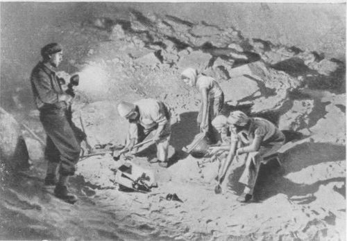 Пещера у Мертвого моря