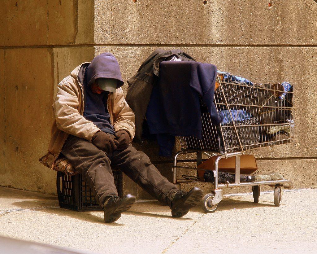 Выживание в бедности – минимум необходимого и экономия средств