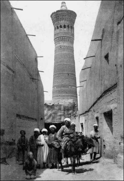 Среди сыпучих песков и отрубленных голов. Путевые очерки Туркестана (1913)