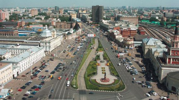 Площадь Трех вокзалов.
