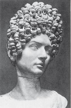 Римский император устраивал развлечения сексуальные оргии с жёнами вельмож