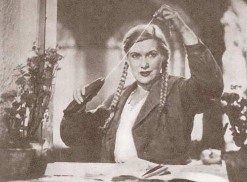 Любовь Орлова: Сохранять форму актрисе помогали постоянные занятия в